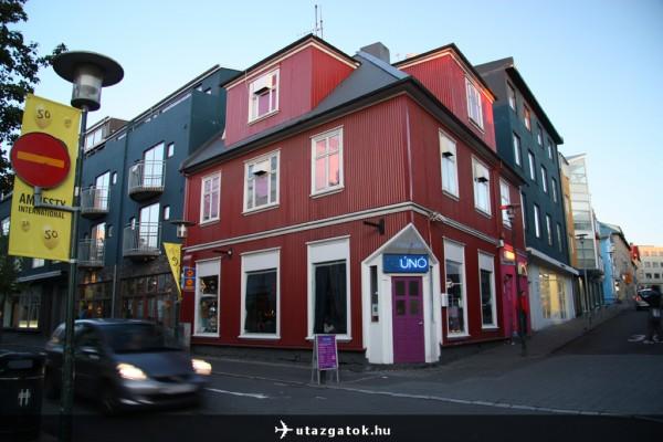 Faház Reyjkavik főutcáján